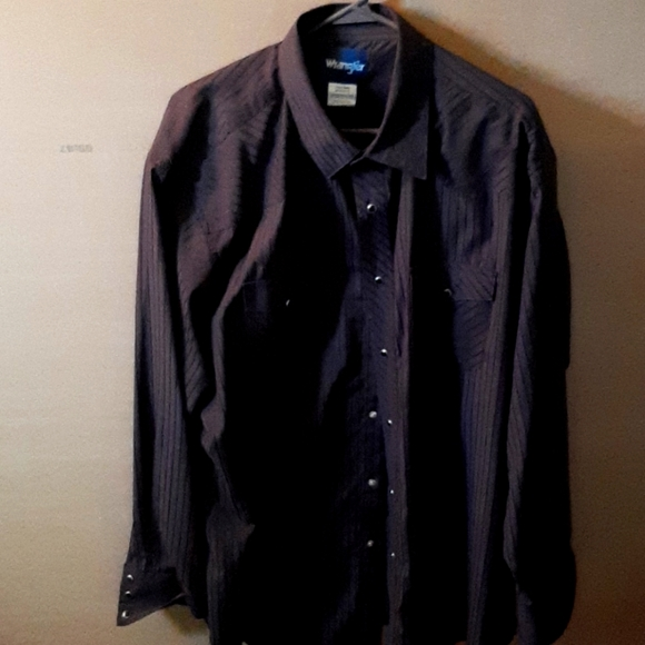 Men's black pearl-snap button shirt